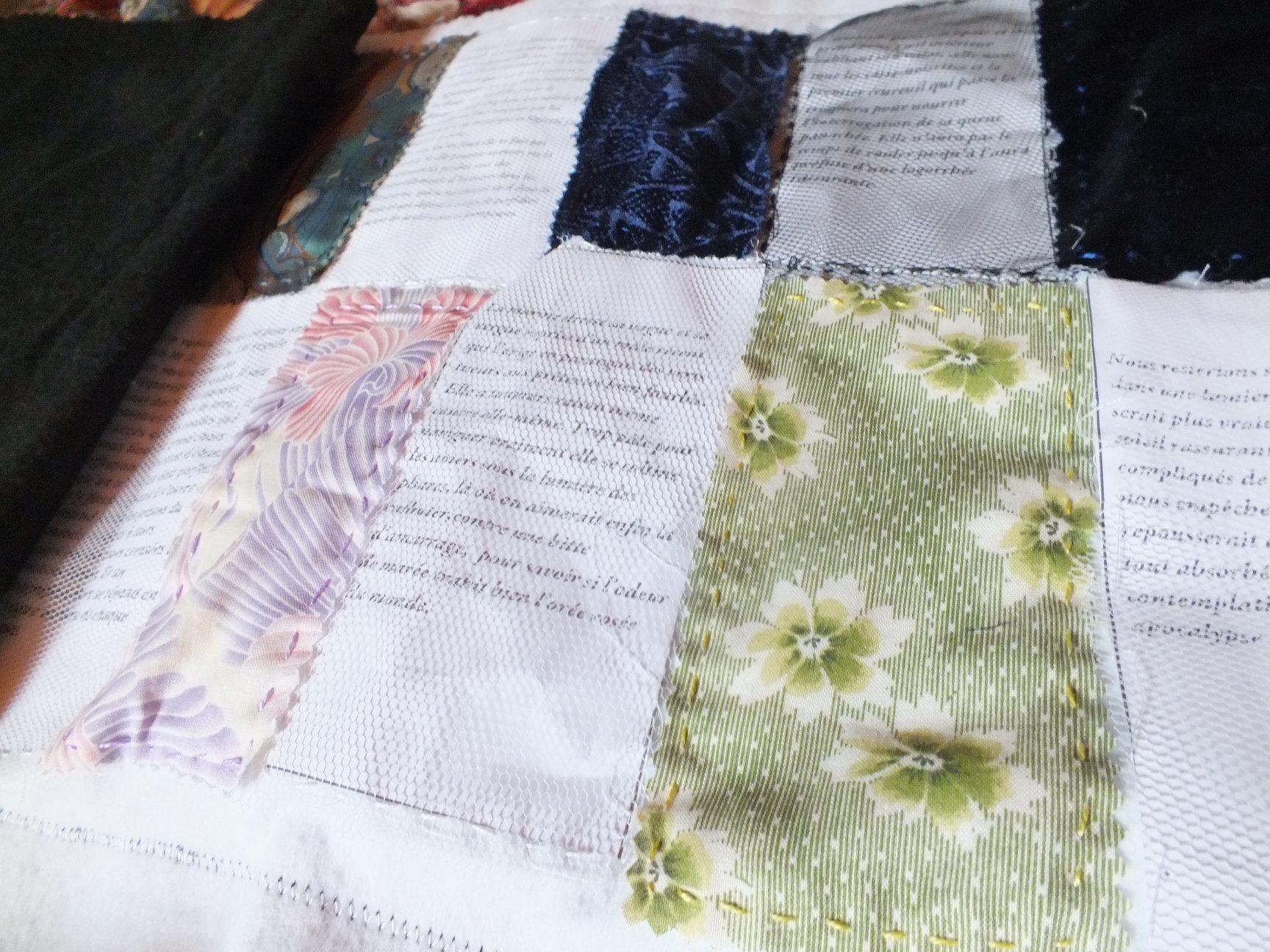 Du textile aux textes