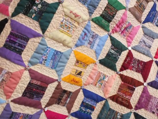 Detail 3 le fil de nos jurs jacquelin fischer art textile