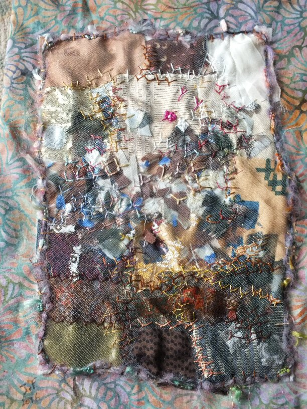 Les beaux restes 5 jacqueline fischer art textile red