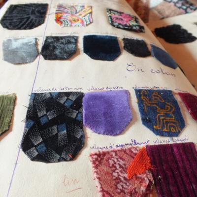 Technologie du textile velours red